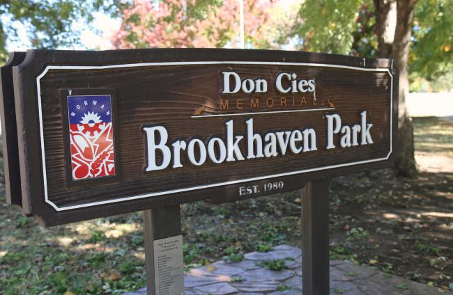 Brookhaven Park Sign