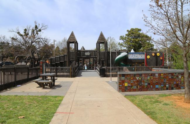 Reaves Park Kid Space Playground